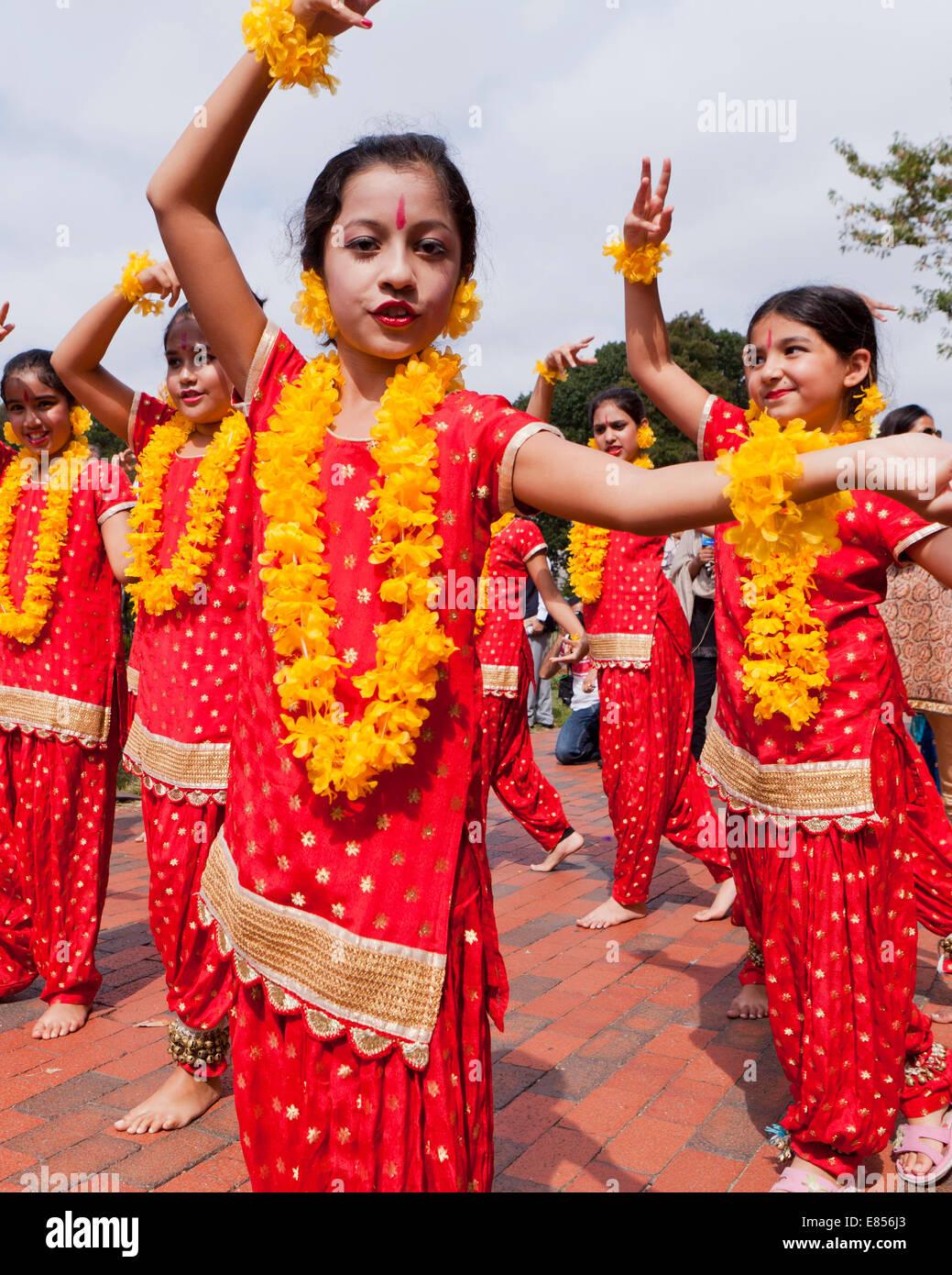 Klassischen indischen Odissi Tanz-Performance von Mädchen bei kulturellen Event - USA Stockbild
