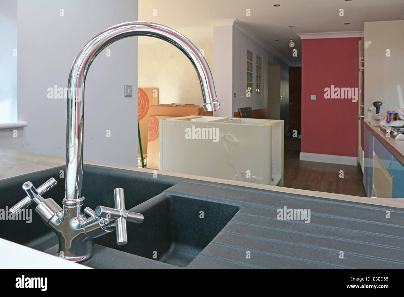 Spüle und Mixer Schließen tippen Sie während der Installation im ...