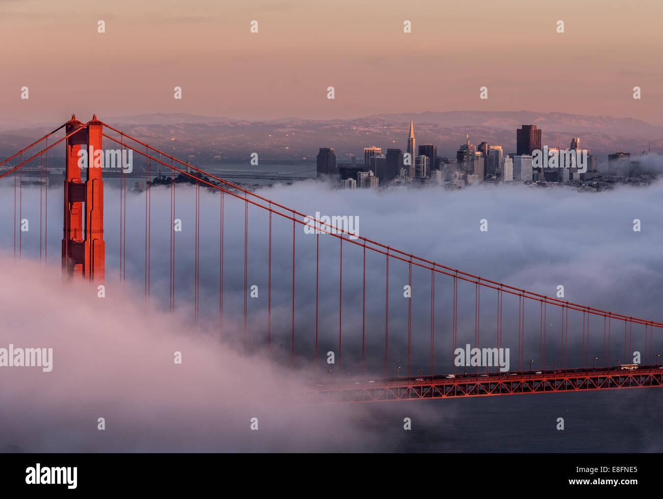 USA, Kalifornien, San Francisco, Golden Gate und Stadt Stockbild