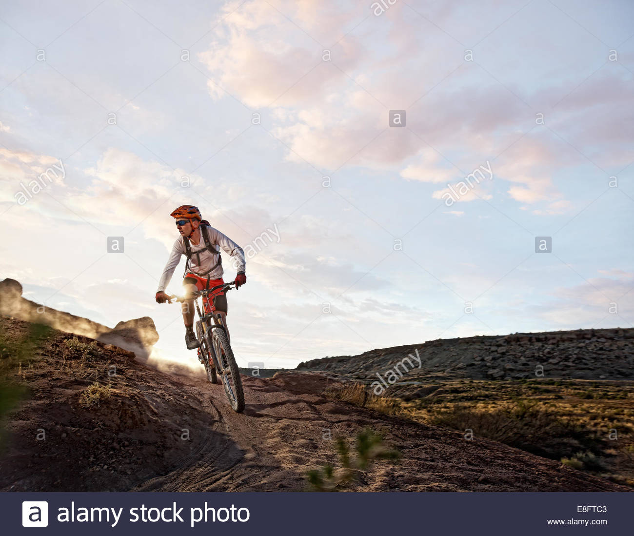 USA, Colorado, Mesa County, Grand Junction, Mountain-Biker unterwegs Stockbild