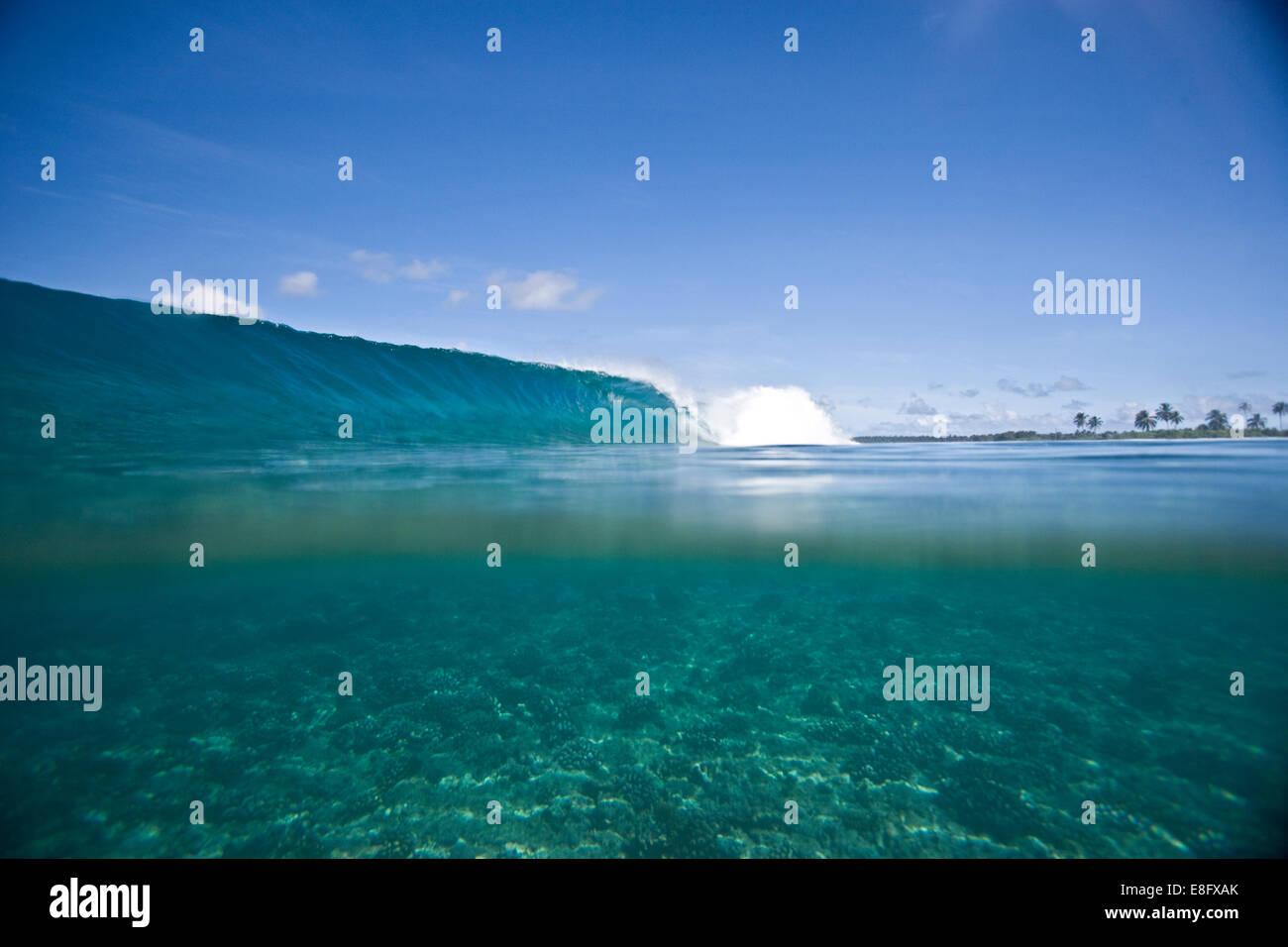 Ocean Wave brechen Stockbild