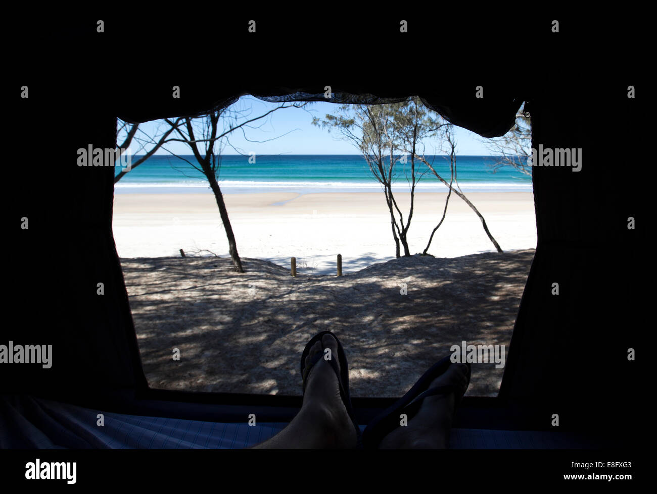 Blick vom Strand in einem Zelt Stockbild