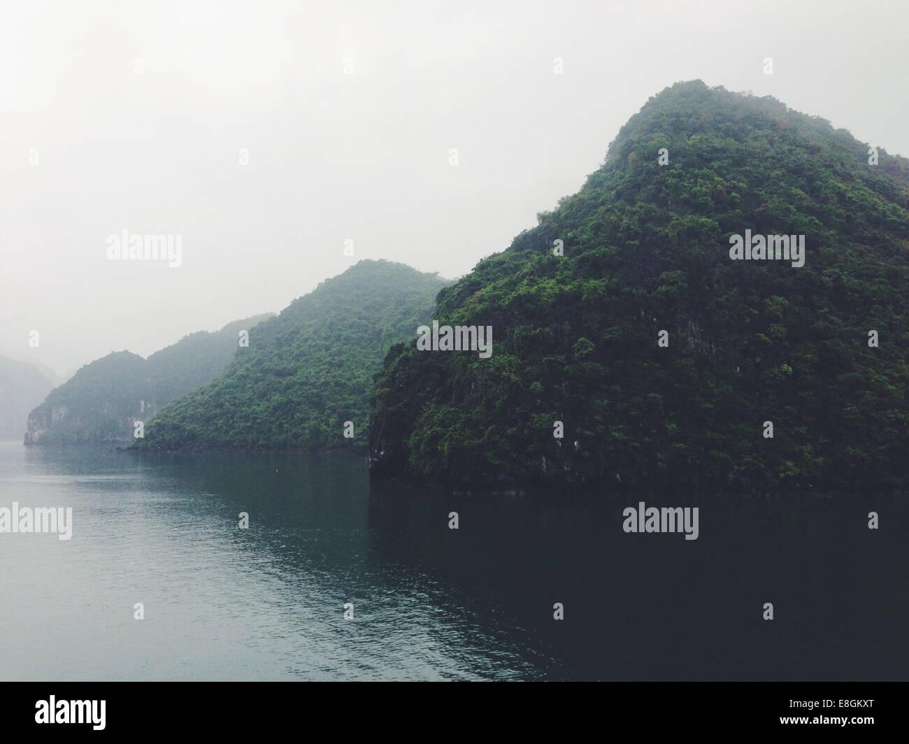 Ansicht von Kalksteininseln Stockbild