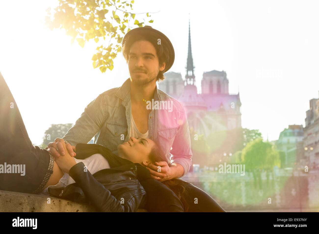 Paar in Paris Stockbild