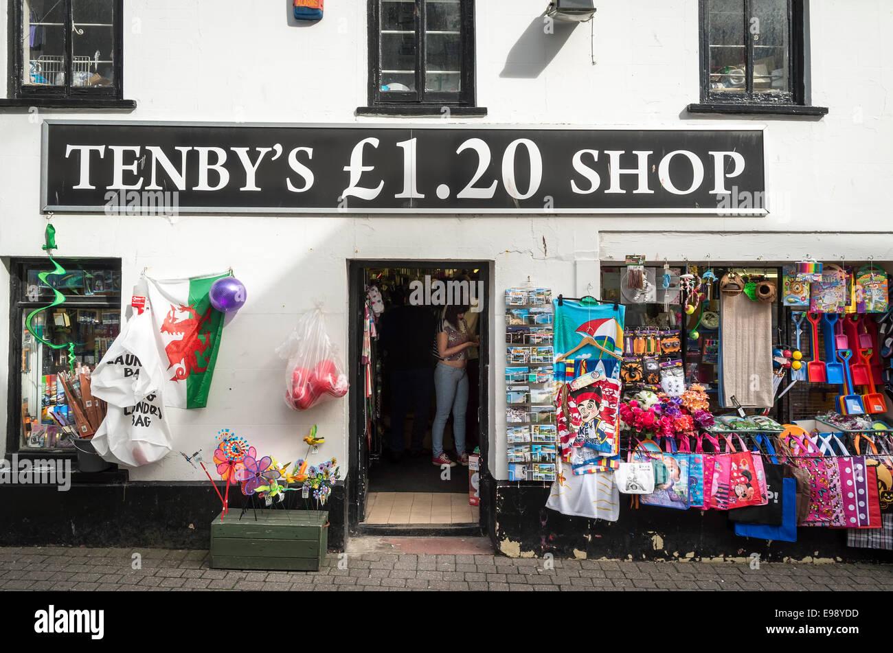 Tenby £1,20-Shop in Tenby South Wales UK Stockbild