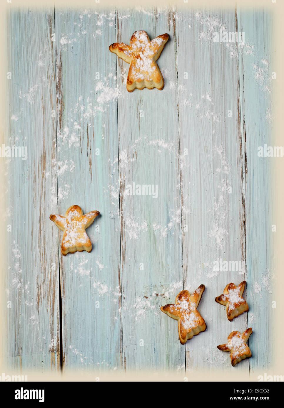 Hausgemachte Kekse auf Holztisch. Selektiven Fokus Stockbild