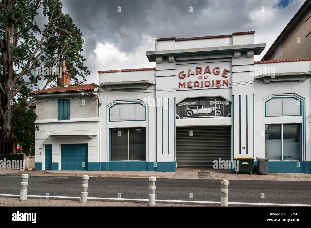 France garage car stockfotos france garage car bilder for Garage etienne vals les bains