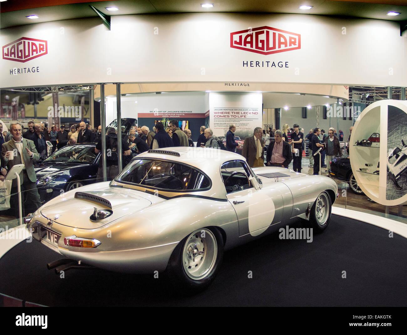 Jaguar E-Type Lightweight Erholung bei Classic-Auto-Show im NEC Birmingham UK Stockbild
