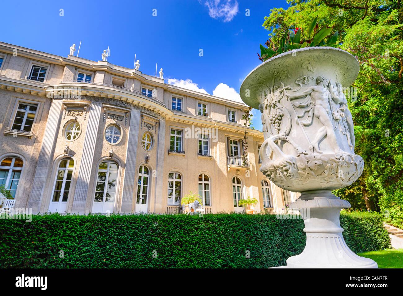 Das Haus der Wannsee. Die Villa diente von leitenden Mitgliedern der Nazi-Partei als Konferenzzentrum und ist jetzt Stockbild
