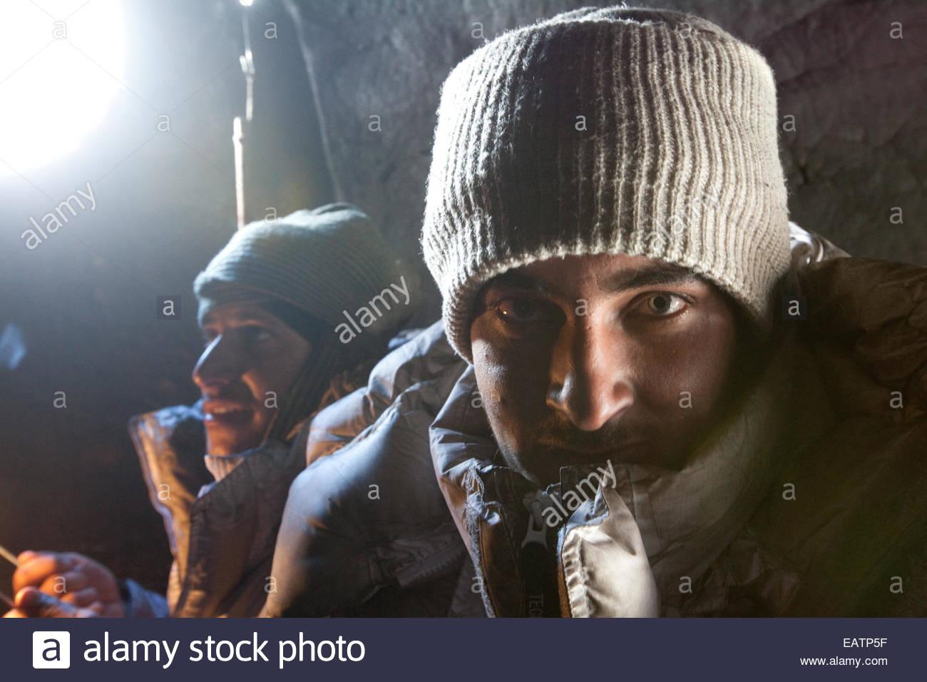 Pakistanische Soldaten in den indisch-pakistanischen Konflikt in ihrem Zelt. Stockbild