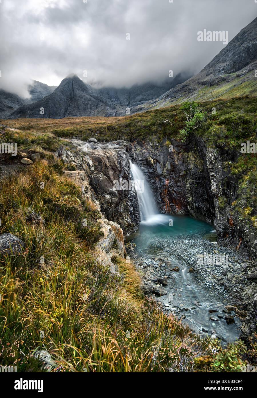 Germany/Deutschland, Fairy Pools Wasserfall am nebligen Tag Stockbild