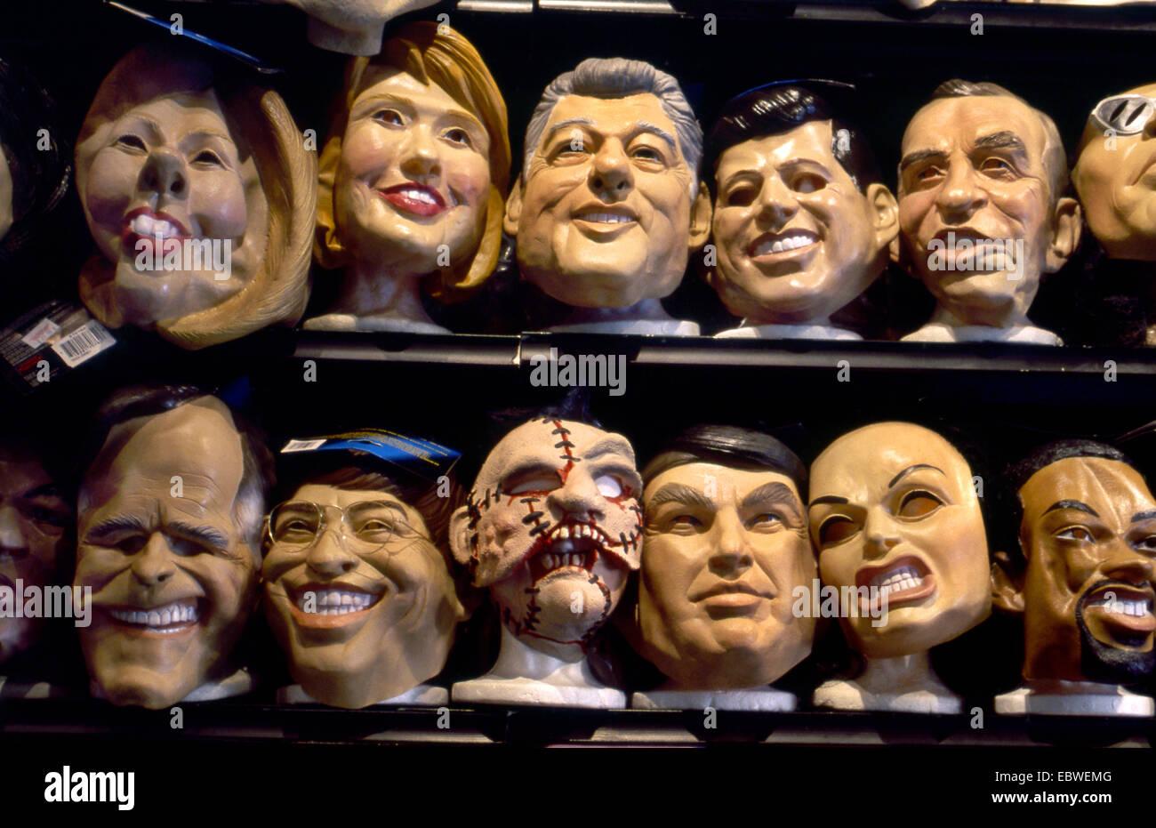 Halloween-Masken auf dem display Stockbild