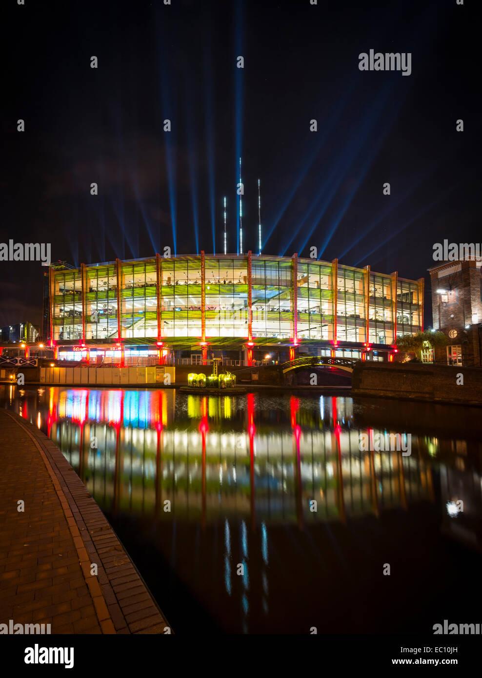 Die National Indoor Arena: NIA, Birmingham. Die Barclaycard Arena ist eine der belebtesten, in großem Maßstab Stockbild