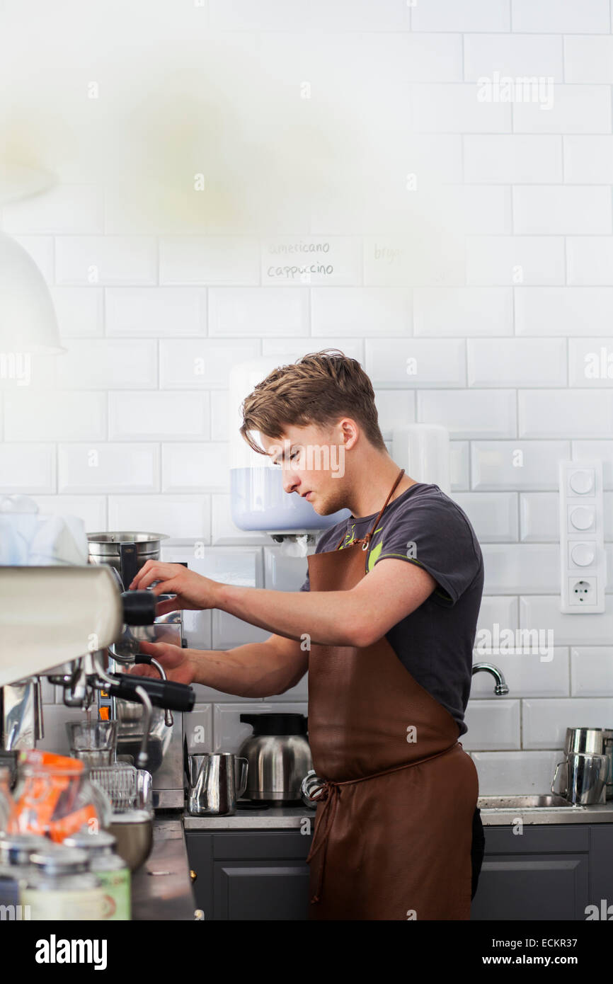espresso machines stockfotos espresso machines bilder alamy. Black Bedroom Furniture Sets. Home Design Ideas