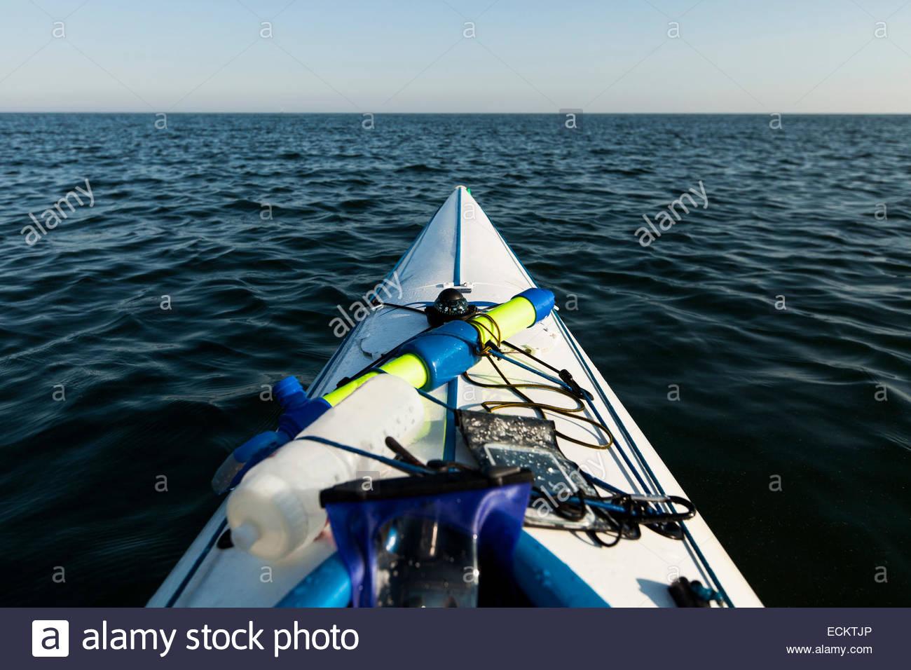 Bild von Kajak auf See beschnitten Stockbild