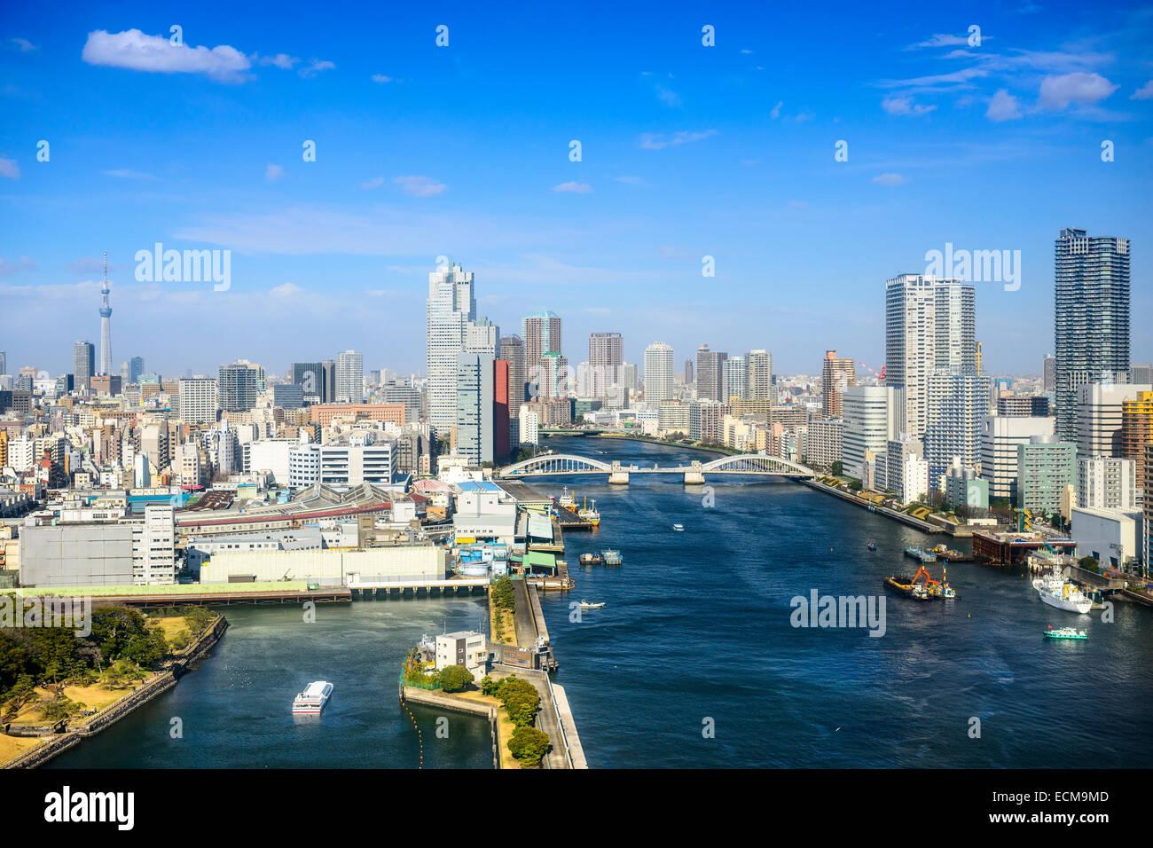Tokyo, Japan Stadt Skyline über den Sumida-Fluss. Stockbild