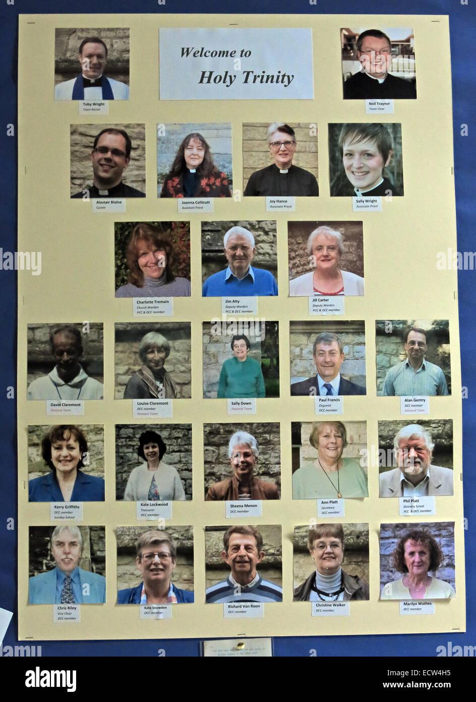 Laden Sie dieses Alamy Stockfoto Willkommen bei der Heiligsten Dreifaltigkeit Woodgreen Witney, West Oxfordshire, England UK - ECW4H5