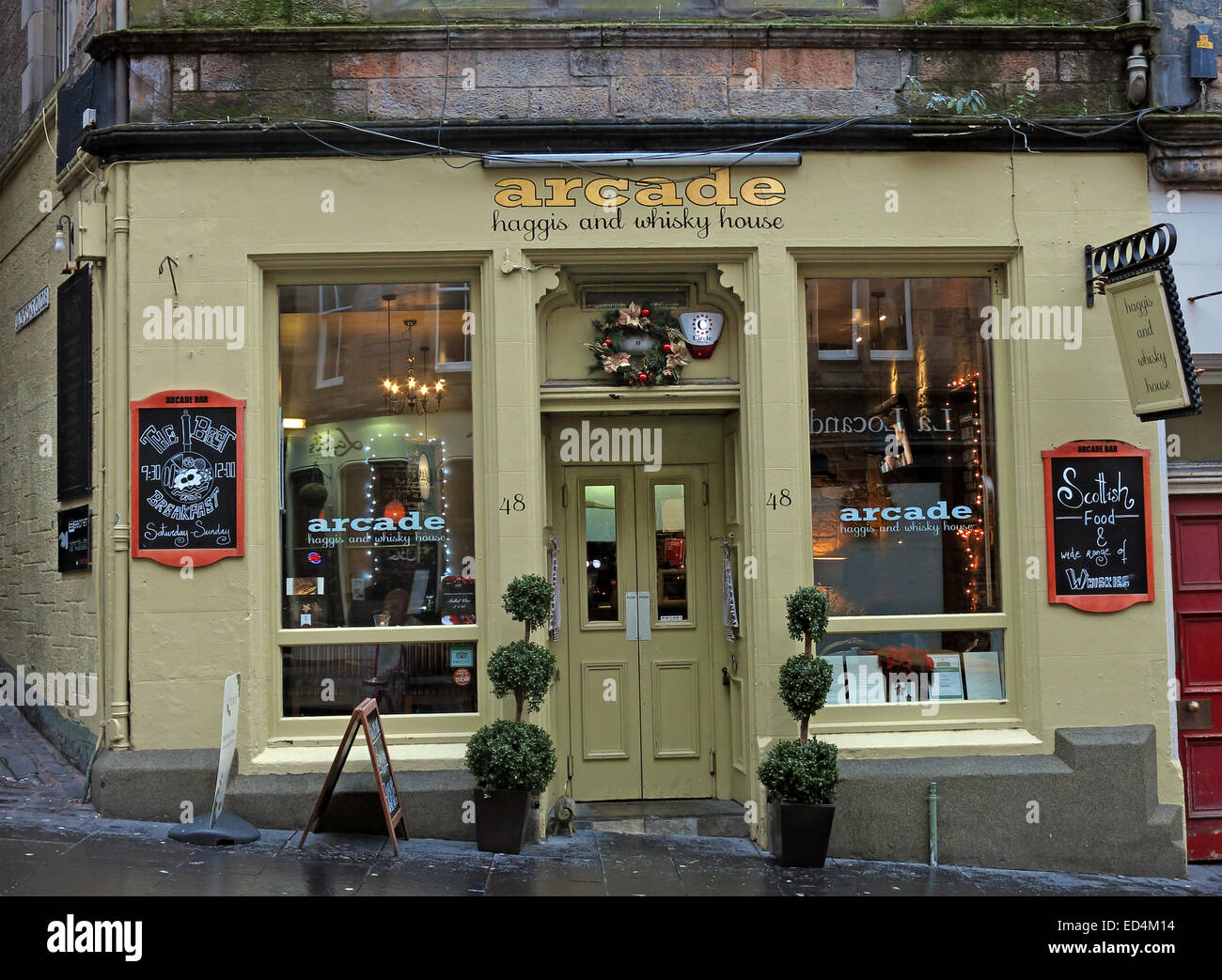 Laden Sie dieses Alamy Stockfoto Arcade-Edinburgh Haggis & Whisky House, Scotland, UK - ED4M14