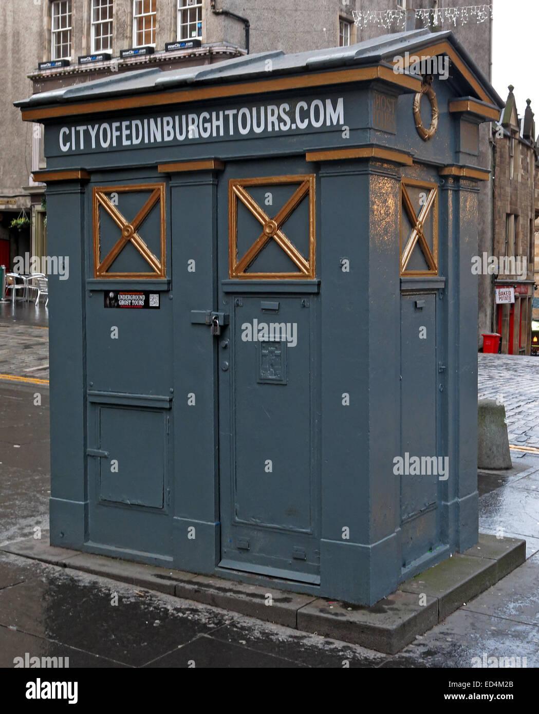 Laden Sie dieses Alamy Stockfoto Stadt von Edinburgh Tour Tardis, High St, Scotland, UK - ED4M2B
