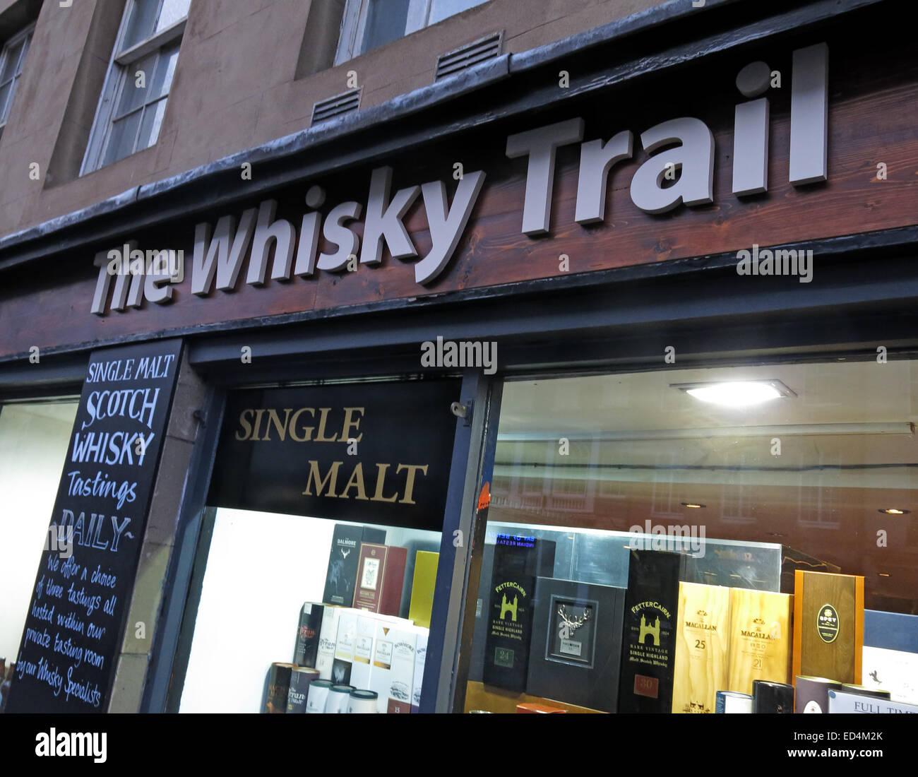 Laden Sie dieses Alamy Stockfoto Edinburgh-Whisky-Trail-Shop, Scotland, UK - ED4M2K