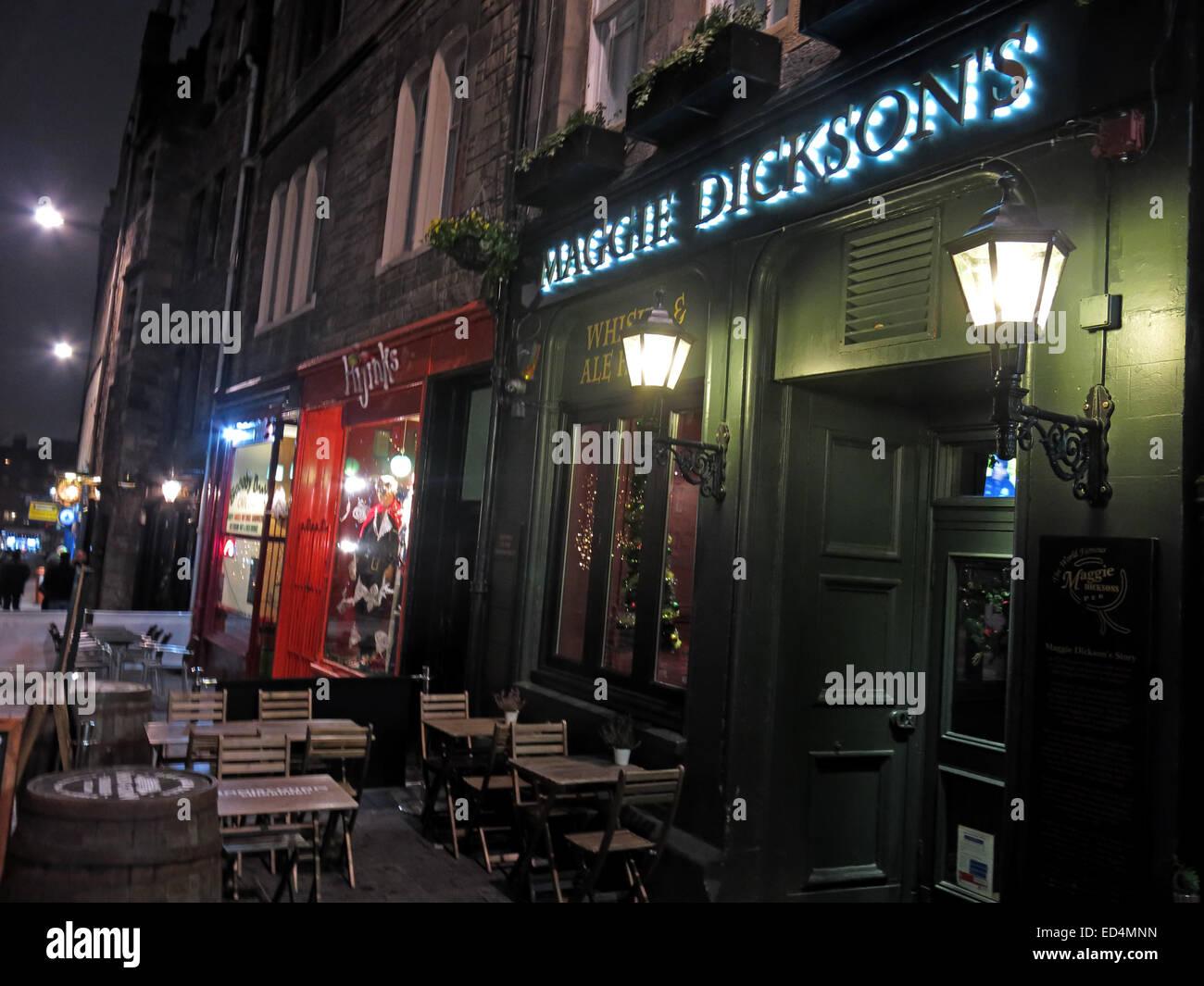 Laden Sie dieses Alamy Stockfoto Maggie Dicksons Pub Grassmarket nachts, Edinburgh, Scotland, UK - halbe Hangit Maggie - ED4MNN