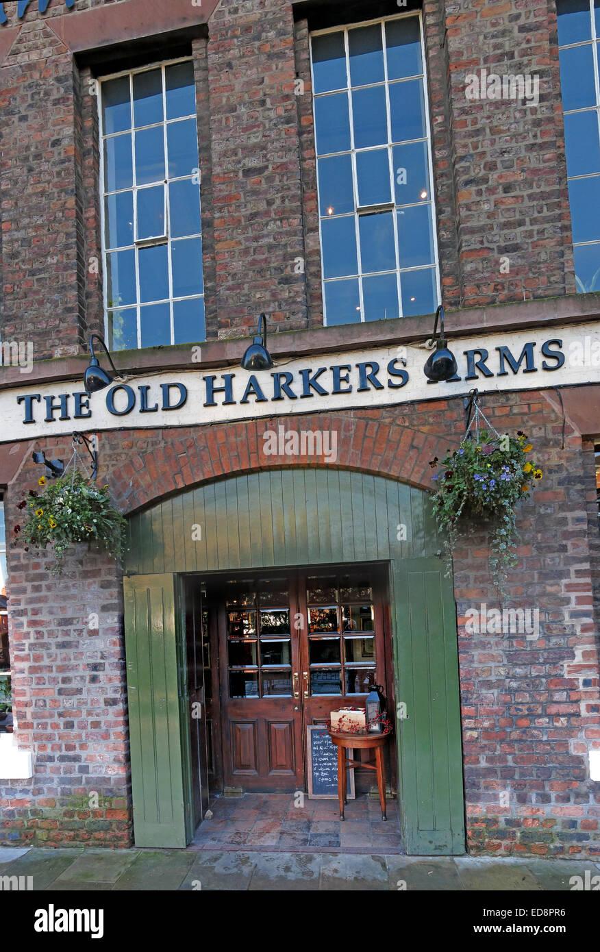 Laden Sie dieses Alamy Stockfoto Die alten Harkers Arme Canalside, Stadt Chester, England, UK - ED8PR6