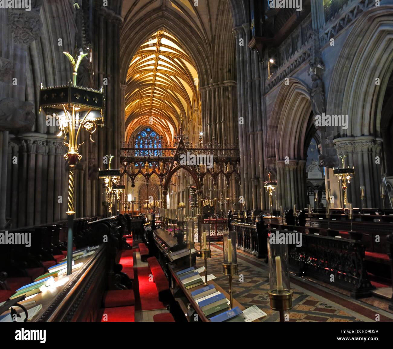 Laden Sie dieses Alamy Stockfoto Kathedrale von Lichfield, Staffordshire England UK in der Abenddämmerung - ED9D59