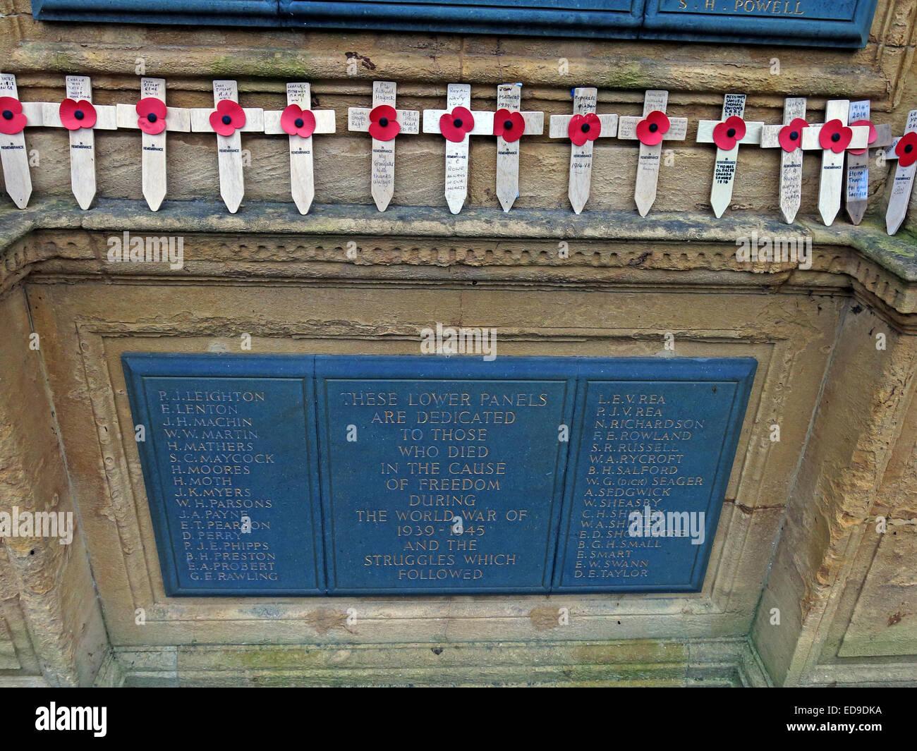 Laden Sie dieses Alamy Stockfoto Lichfield Kenotaph Krieg-Denkmal, Namen der Krieg tot, Staffordshire, England, UK - ED9DKA