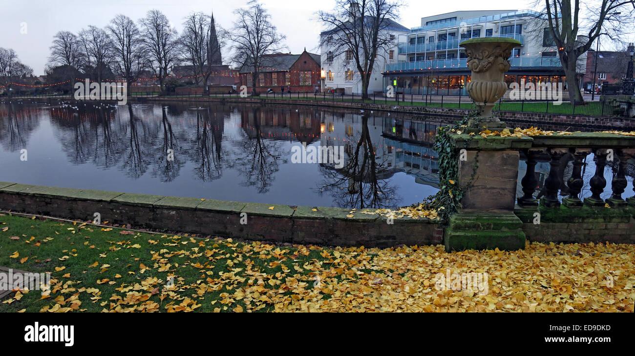 Laden Sie dieses Alamy Stockfoto Lichfield-Fluss-Panorama im Herbst, Staffordshire, England, UK - ED9DKD