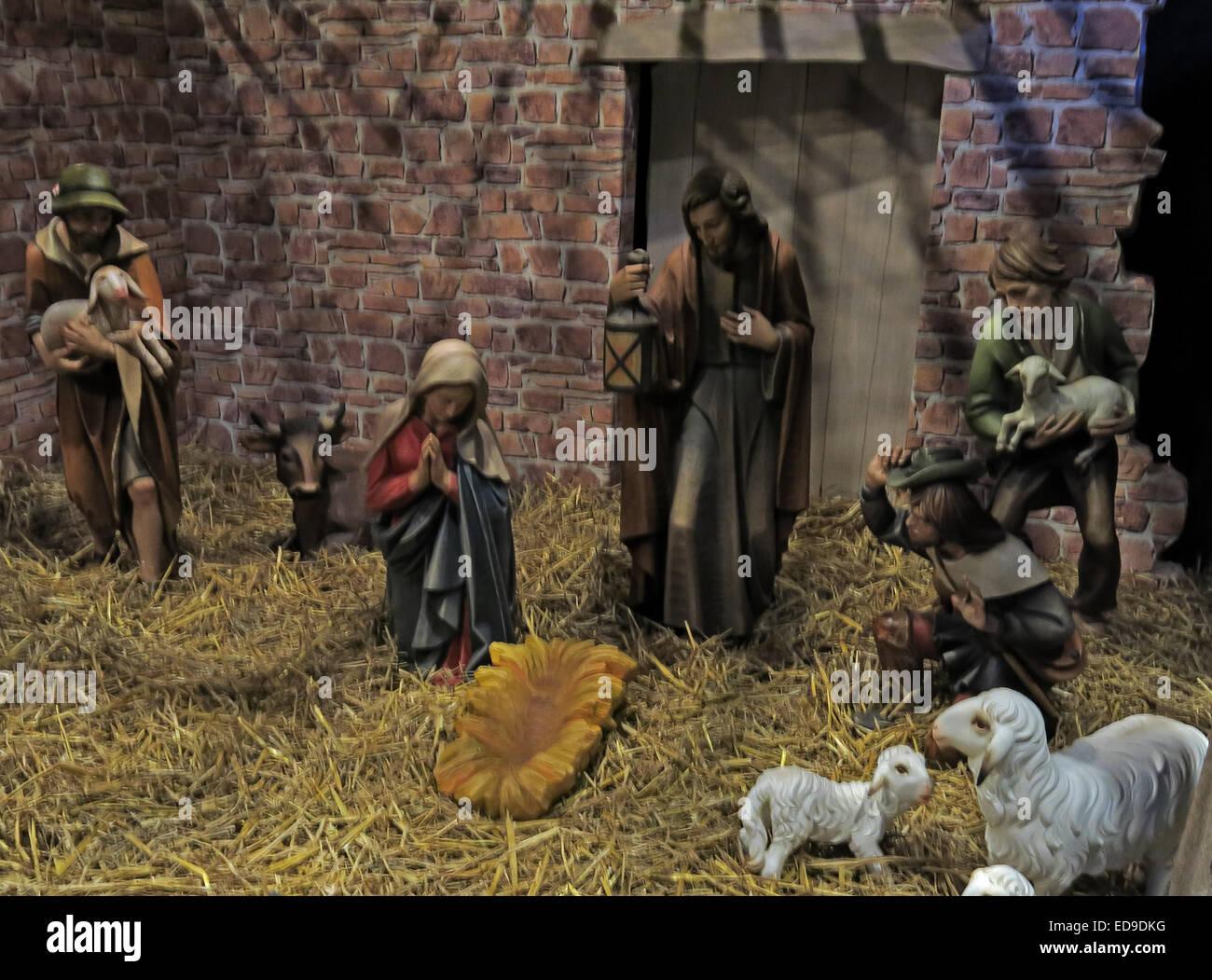 Laden Sie dieses Alamy Stockfoto Krippe und Weihnachten Krippe in Lichfield Kathedrale Staffordshire, England UK - ED9DKG