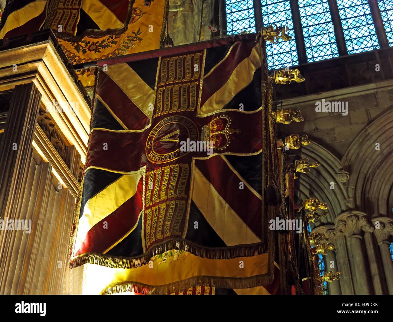 Laden Sie dieses Alamy Stockfoto Kathedrale von Lichfield Innenraum Staffordshire bei Dämmerung, England, UK - ED9DKK