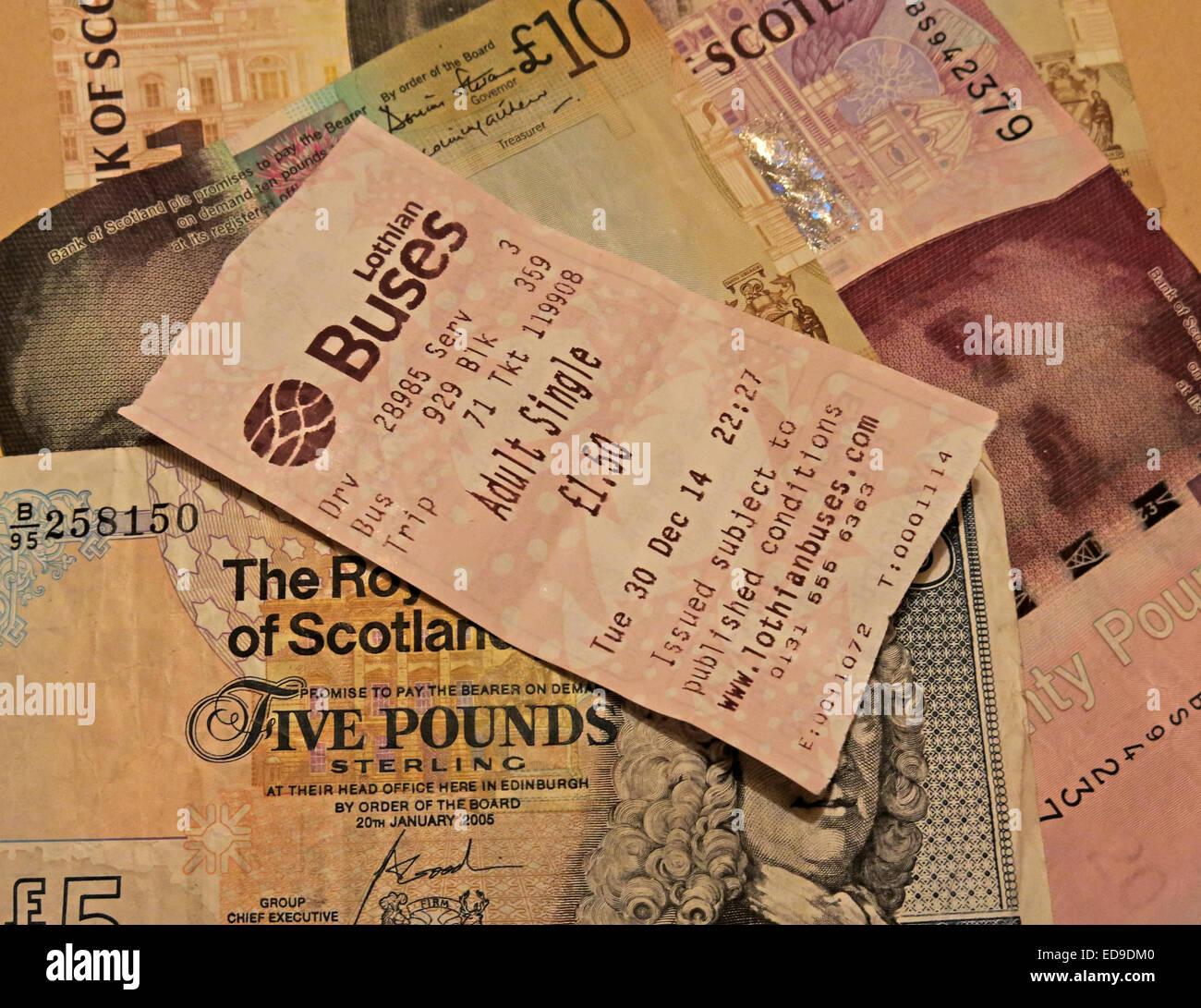 Laden Sie dieses Alamy Stockfoto Lothian Busse Bus Ticket und Schotten Banknoten aus Edinburgh, Scotland, UK seitlich - ED9DM0