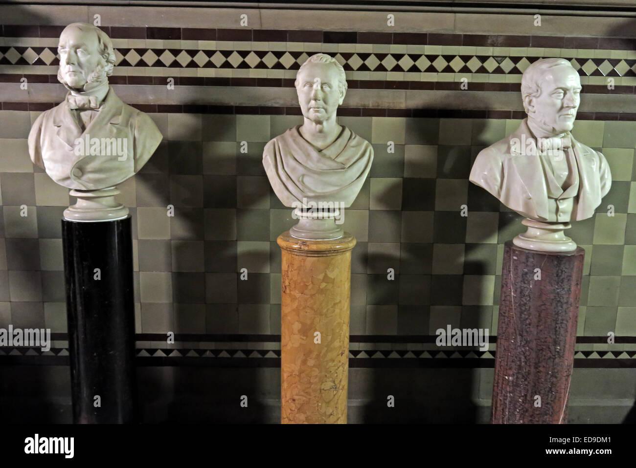 Laden Sie dieses Alamy Stockfoto Leiter der Statuen im Rathaus von Manchester, Albert Square, England, UK - ED9DM1