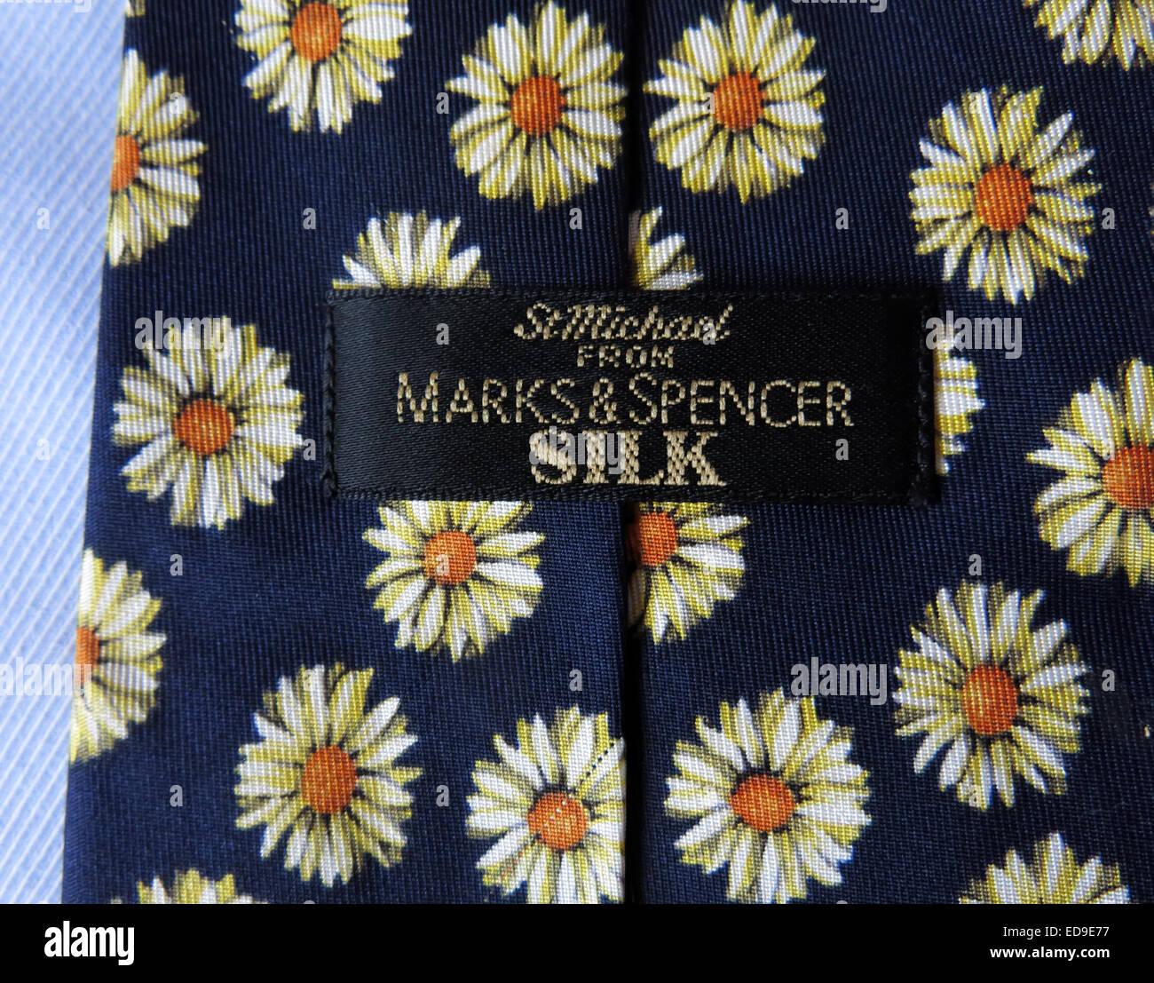 Laden Sie dieses Alamy Stockfoto Interessante St Michael M & S Marks & Spencer binden, männliche Antik in Seide - ED9E77