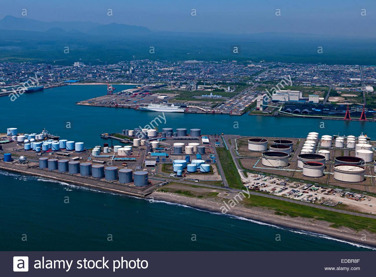 Luftaufnahme des Idemitsu Öl Herstellung Ort, Tomakomai Fährhafen Stockbild