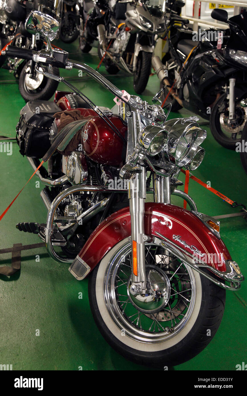 Harley-Davidson Heritage Softail Fahrrad auf Autodeck der Fähre Stockbild