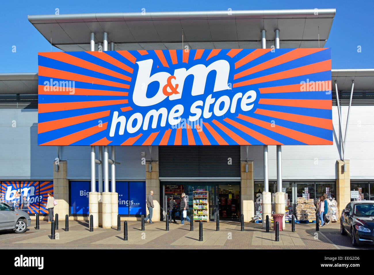 B&M Retail Home store Shopping Business Kunden Eingang am Lakeside Retail Park West Thurrock Essex England Großbritannien Stockfoto