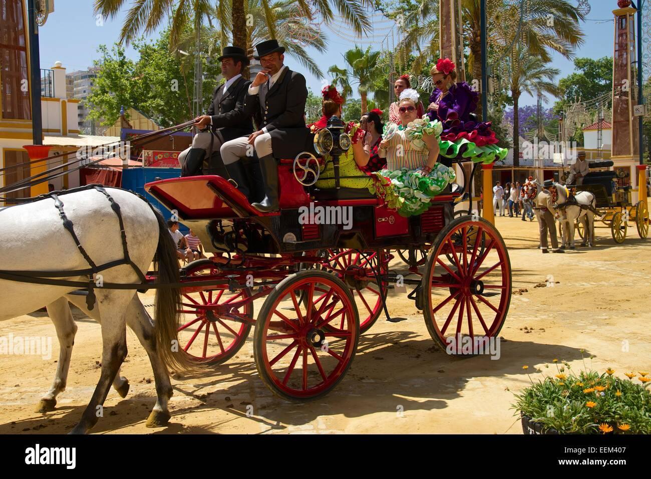 Wagen an die Feria del Caballo in Jerez De La Frontera, Andalusien, Spanien Stockbild