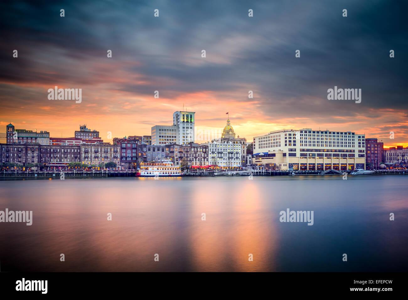 Savannah, Georgia, USA am Flussufer Skyline. Stockbild