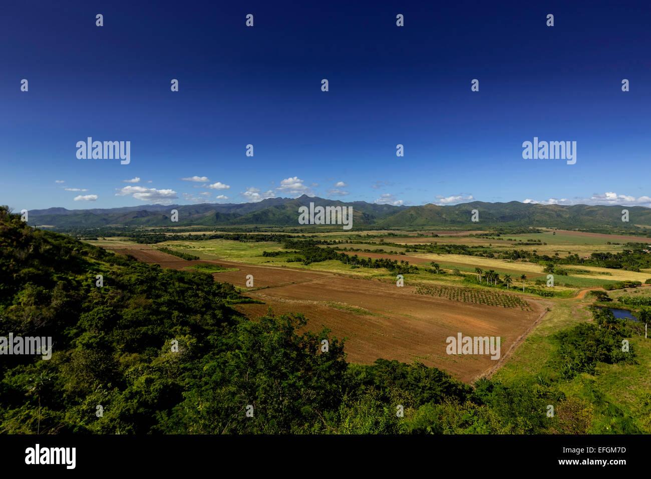 Blick vom Aussichtspunkt Mirador über das Valle de Los Ingenios, Provinz Sancti Spiritus, Kuba Stockbild