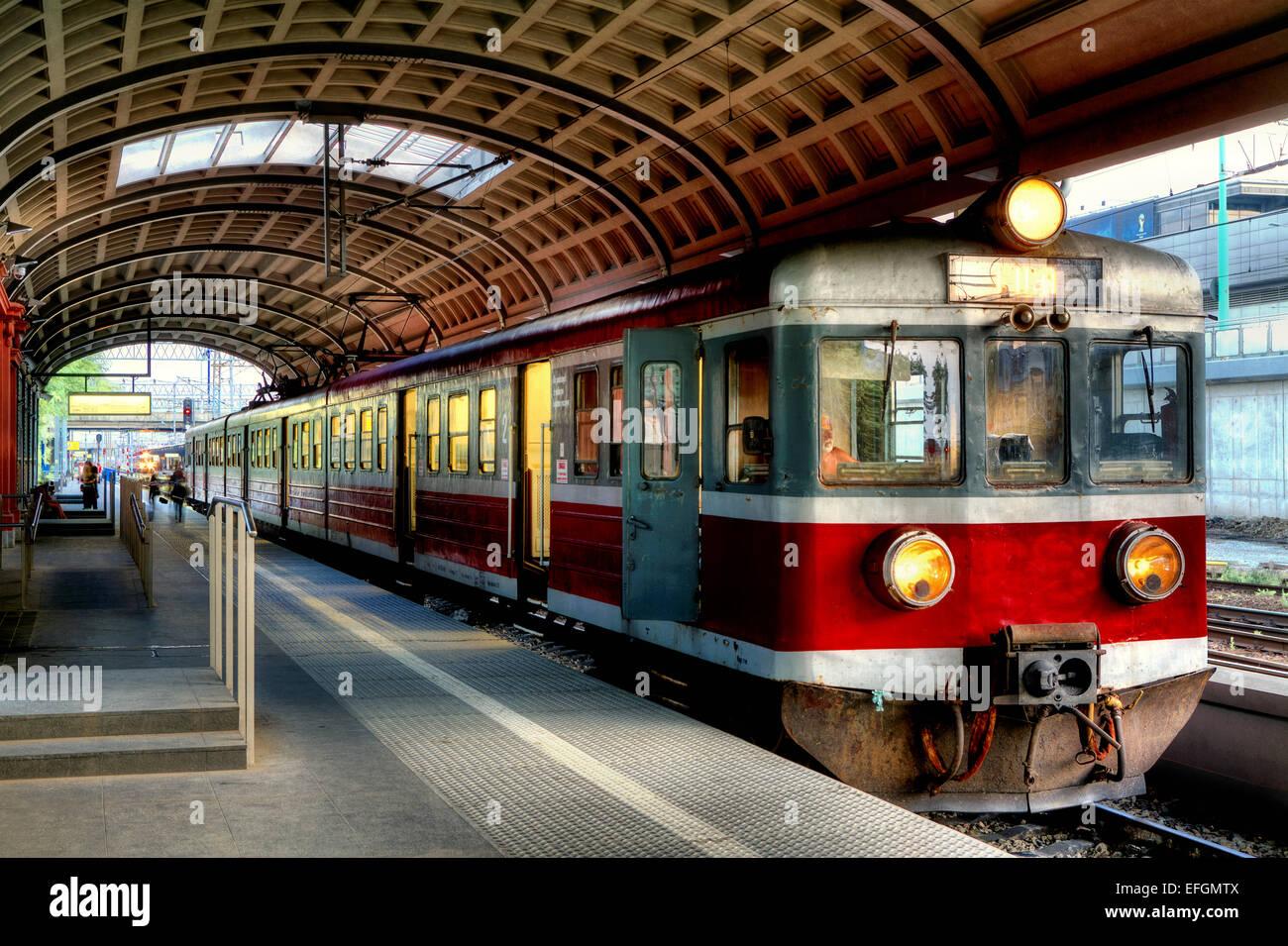 Alte polnische Regionalbahn Stockbild