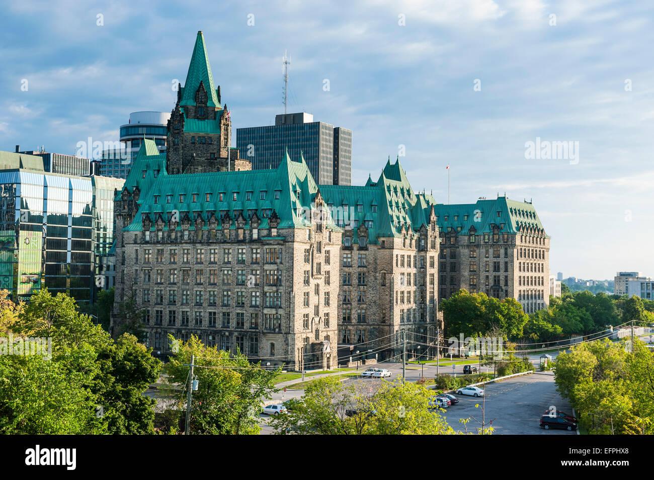 Bund-Gebäude im Zentrum von Ottawa, Ontario, Kanada, Nordamerika Stockbild