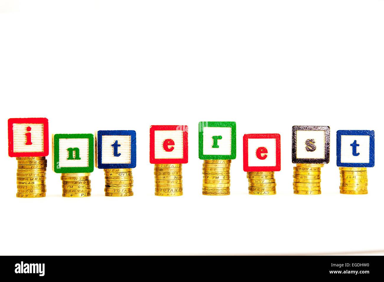bewerten Sie Zinsen Geld Kosten hoch höher steigenden Anstieg Austausch Rückzahlung Lohnkürzung Kopie Stockbild
