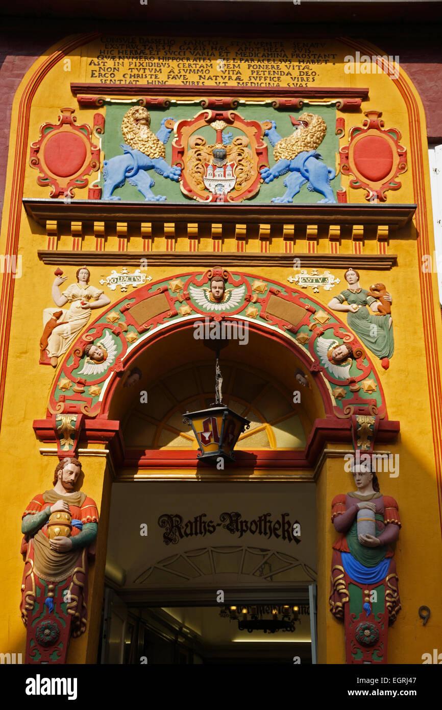 Portal, Ratsapotheke, Lüneburg, Niedersachsen, Deutschland, Europa Stockbild