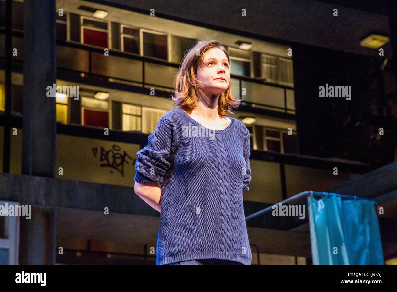 Carey Mulligan in der Stephendaldrys Produktion von David Hares Skylight, New York 2015. Stockbild