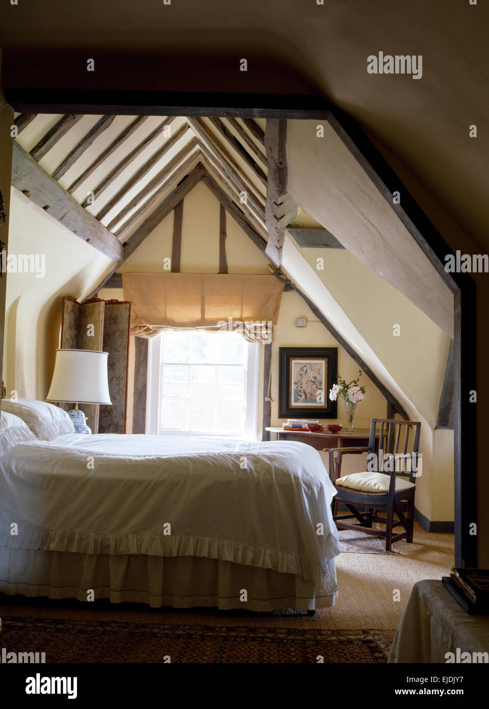 Loft conversion bedroom stockfotos loft conversion - Wasche im schlafzimmer trocknen ...