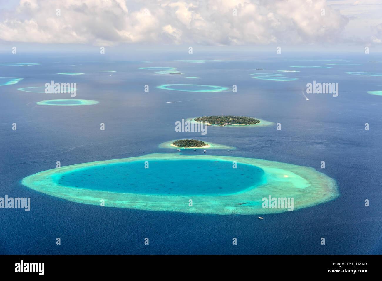 Kleine Malediven Inseln im Süd Male Atoll Stockbild