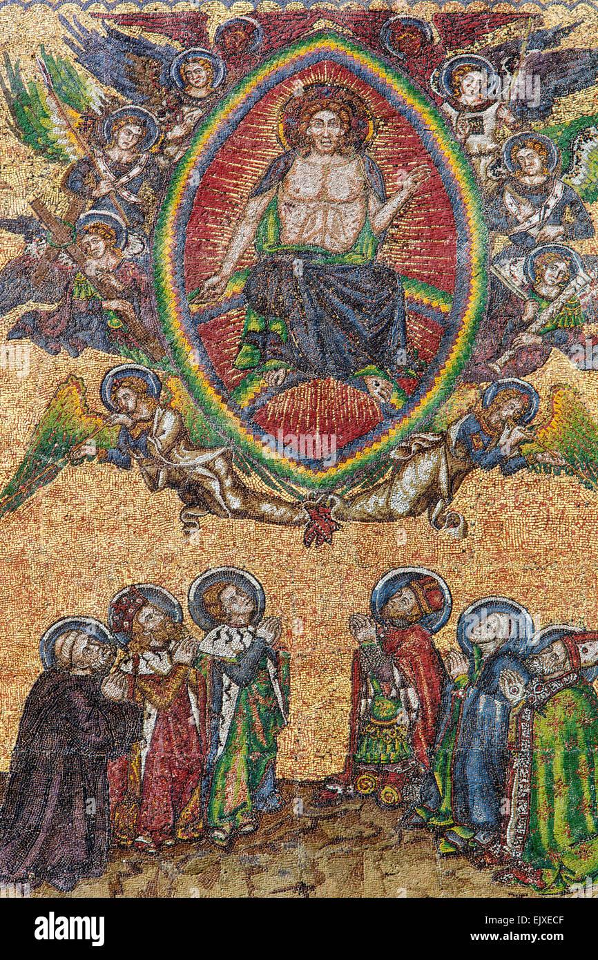 Das letzte Gericht Mosaik im Golden Portal von St. Veitsdom, Prag, Tschechische Republik Stockbild