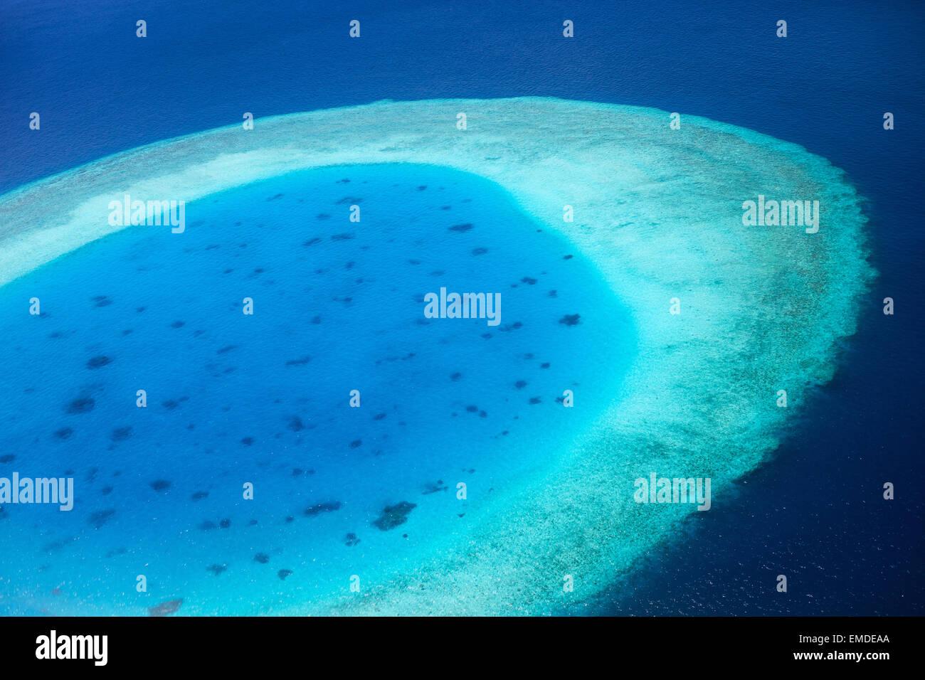Luftaufnahme der Malediven atoll Stockbild