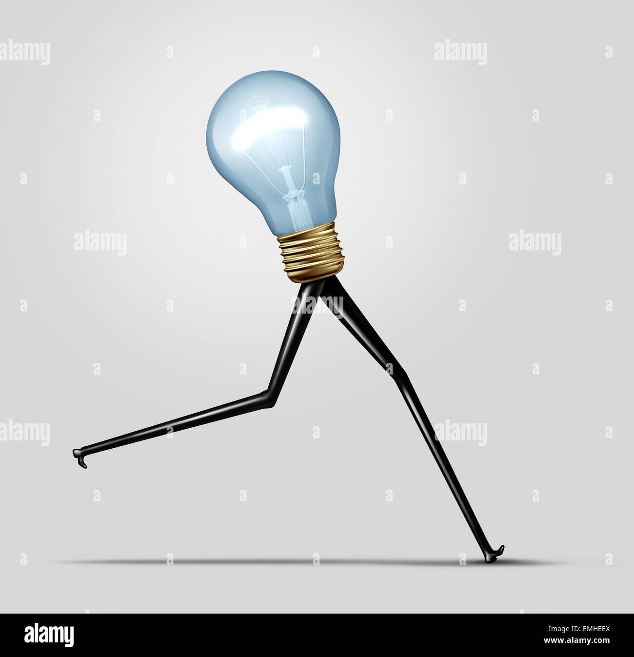 Kreative Energie und schnelles Denken-Business-Konzept als eine strahlende helle Glühbirne mit langen Beinen Stockbild